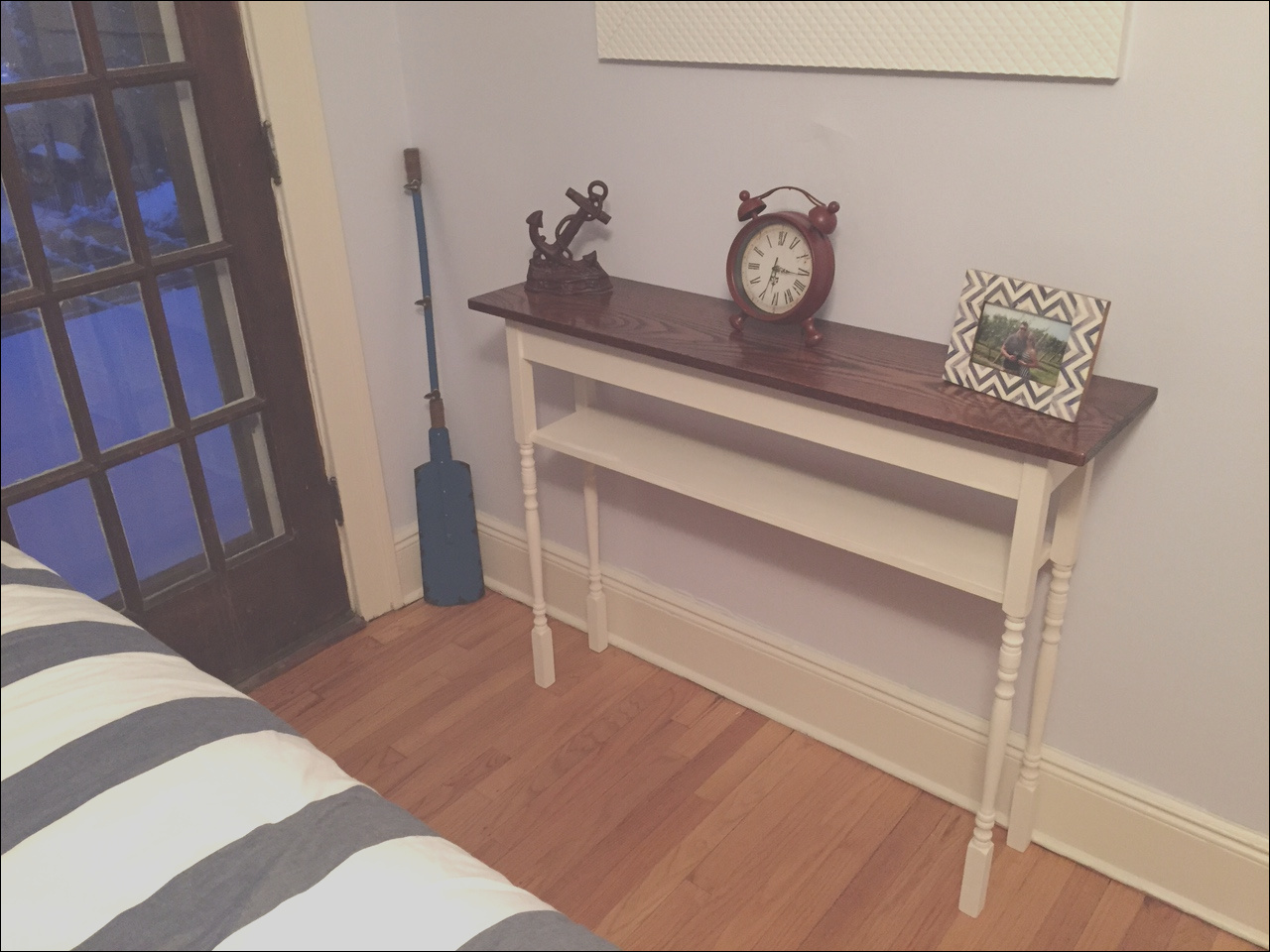 guest room stair baluster accent table