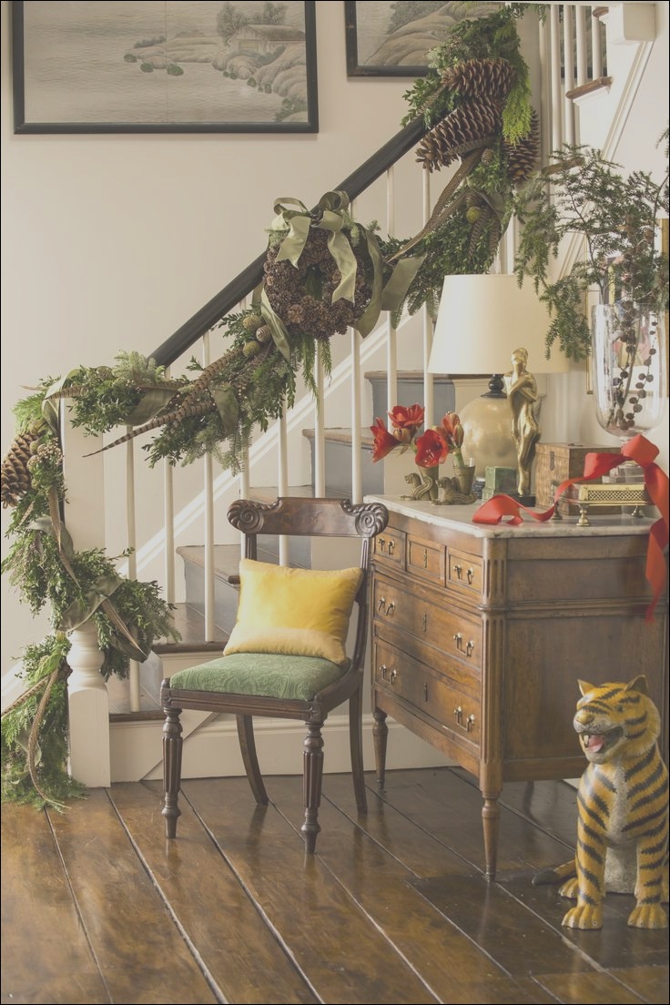 best ways to decorate your stairs in this christmas