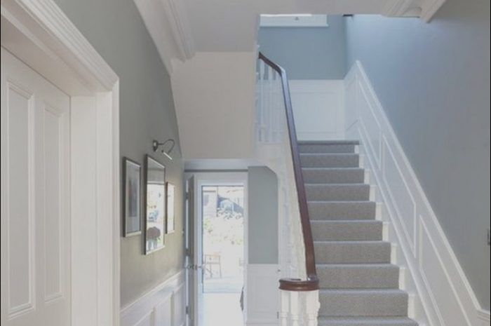 9 Minimalist Decorating Ideas for Small Dark Hallways and Stairs Photos