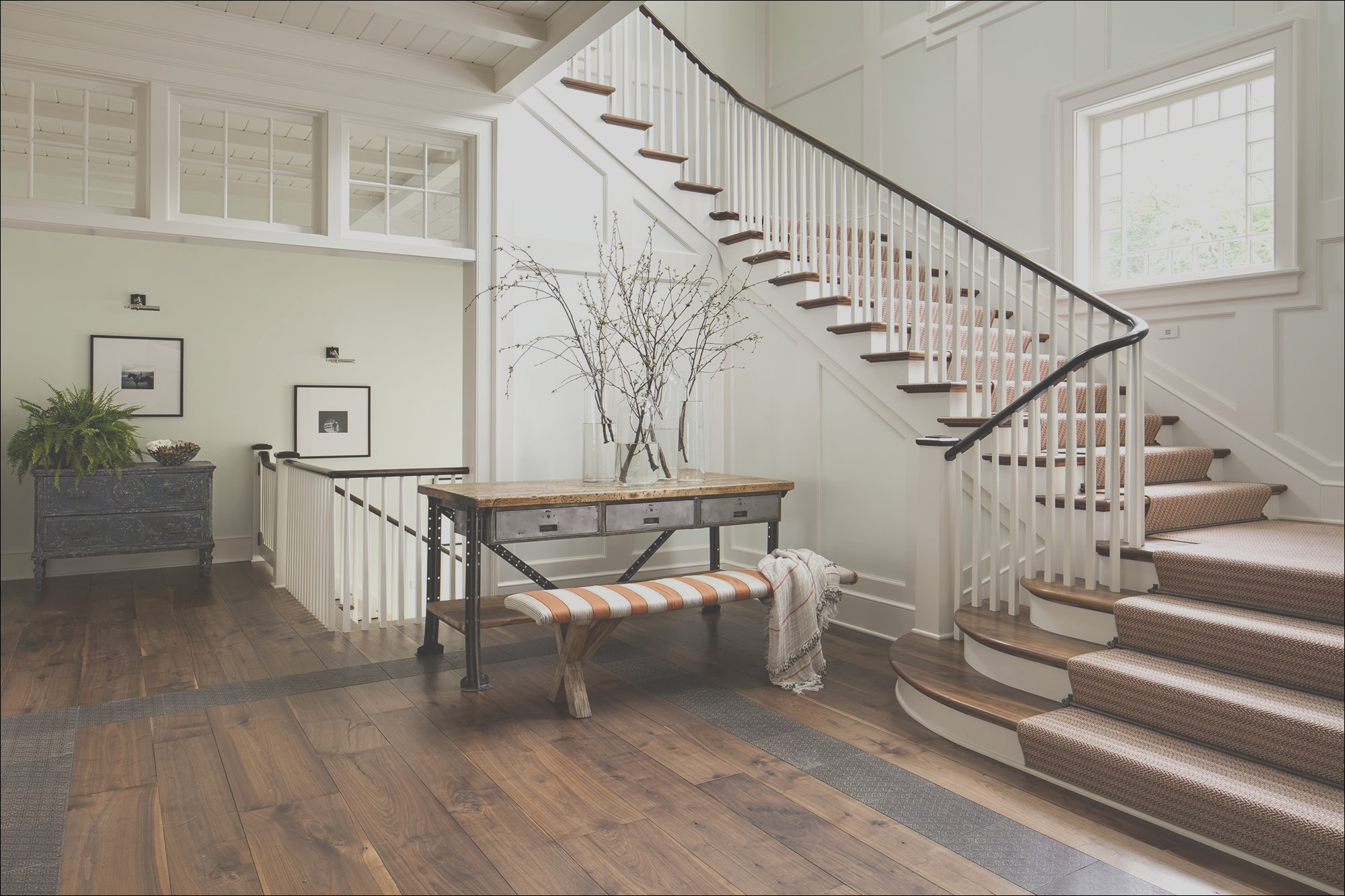 enclosed staircase wall decorating ideas
