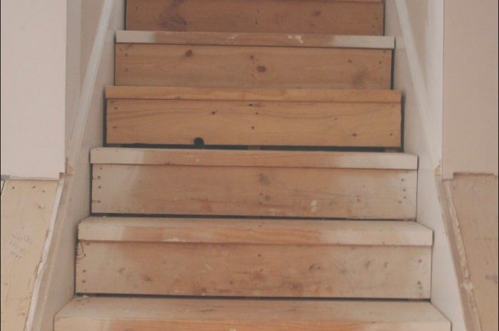 12 Casual Finishing Stairs Ideas Collection