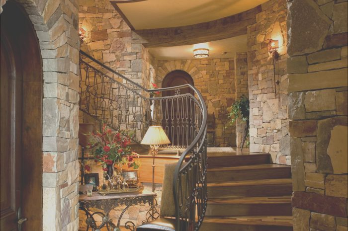 8 Luxurious House Stairs Design Gallery