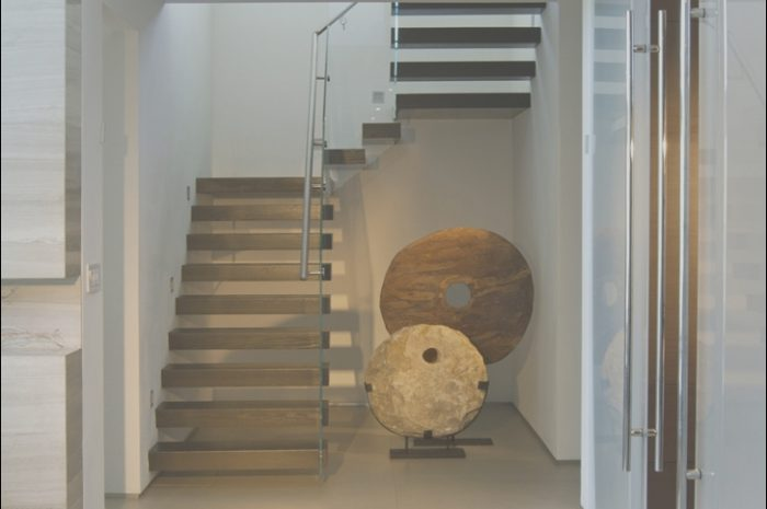 10 Fantastic Interior House Design with Stairs Photos
