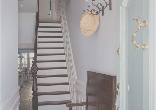 12 Beautiful Narrow Hallway and Stairs Decorating Ideas Image
