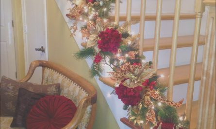 Stairs Decorating Ideas for Christmas Fresh Decorate the Staircase for Christmas – 45 Beautiful Ideas