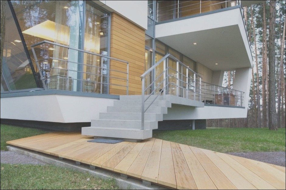 beautiful stair design both for modern and traditional house