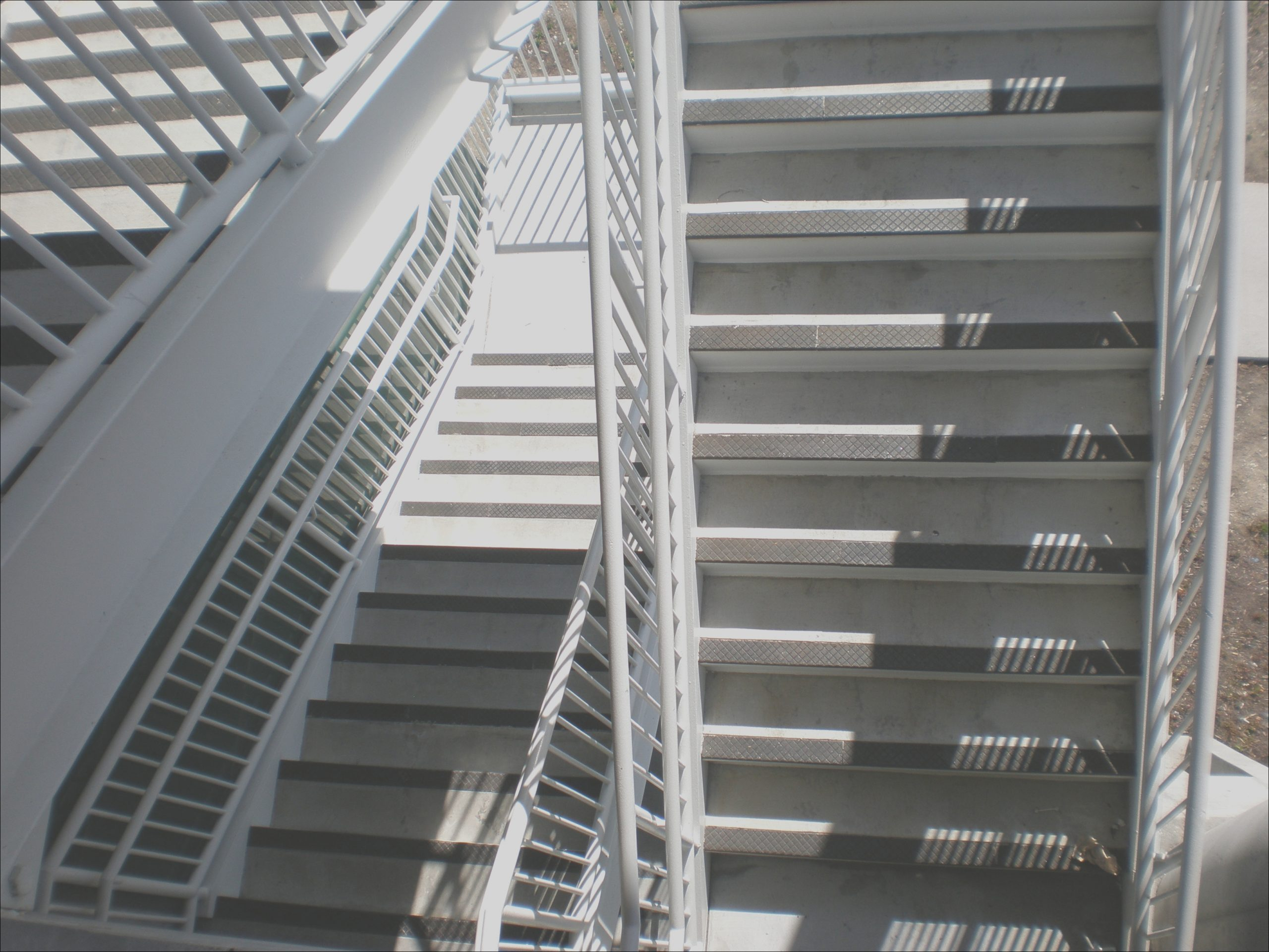 File SSF BART parking structure stairs JPG