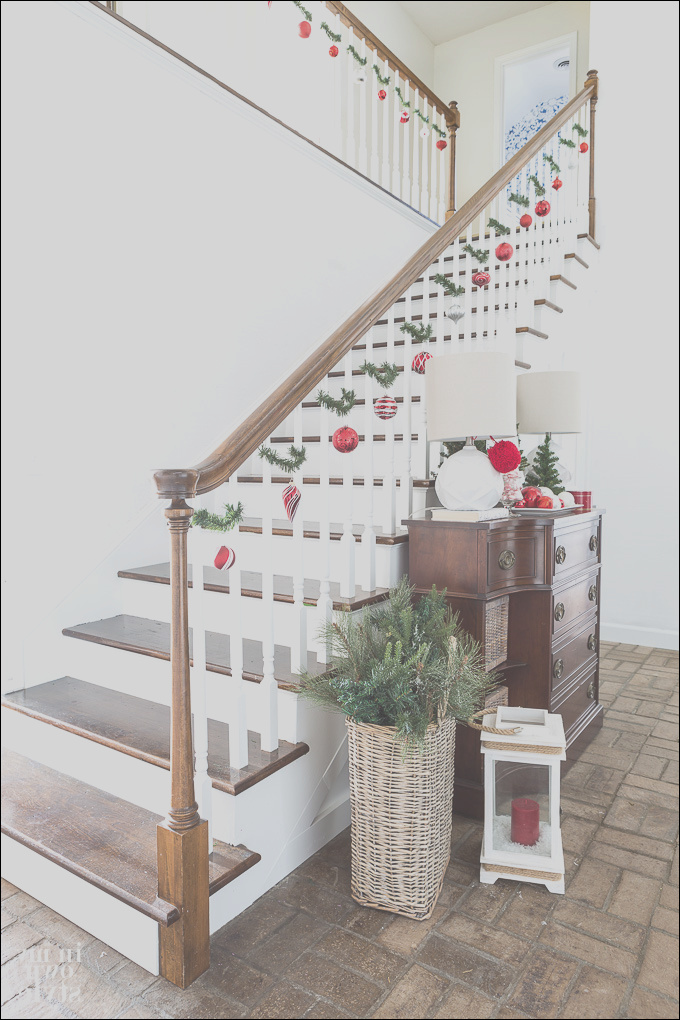 christmas staircase decorating on a dime