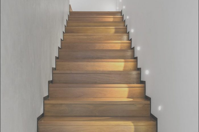 9 Unusual Stairs Skirting Design Image