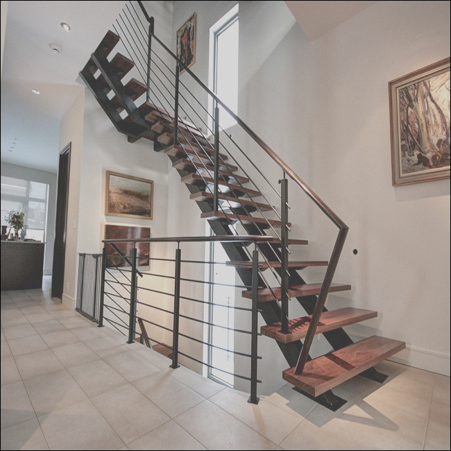 China Hot Straight Steel Wood Grill Design Staircase Space Saving