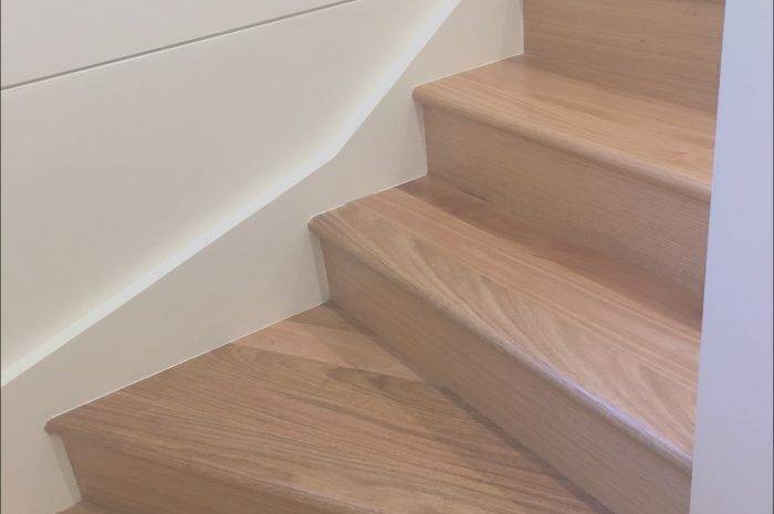 11 Majestic Wooden Stairs Varnish Image