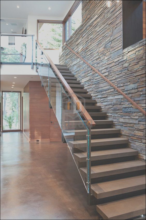 China Indoor Decorate Wood Handrail Glass Railing Wooden Steps Staircase