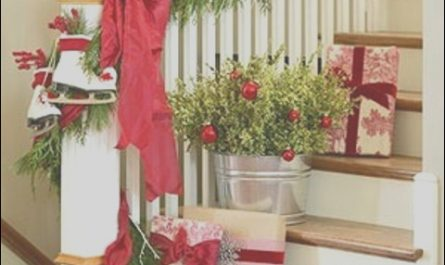 Christmas Stairs Decorating Ideas Fresh 100 Awesome Christmas Stairs Decoration Ideas Digsdigs