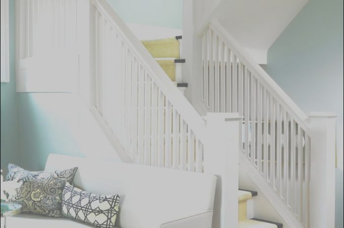 10 Practical Decorating Ideas for Stairs and Hallways Image