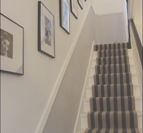 15 Liveable Hall Stairs Landing Decorating Ideas Image
