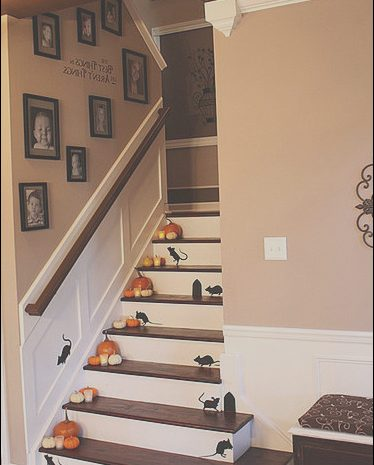 14 Primary Halloween Decor Stairs Image