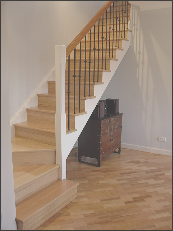 gallery=pine stairs