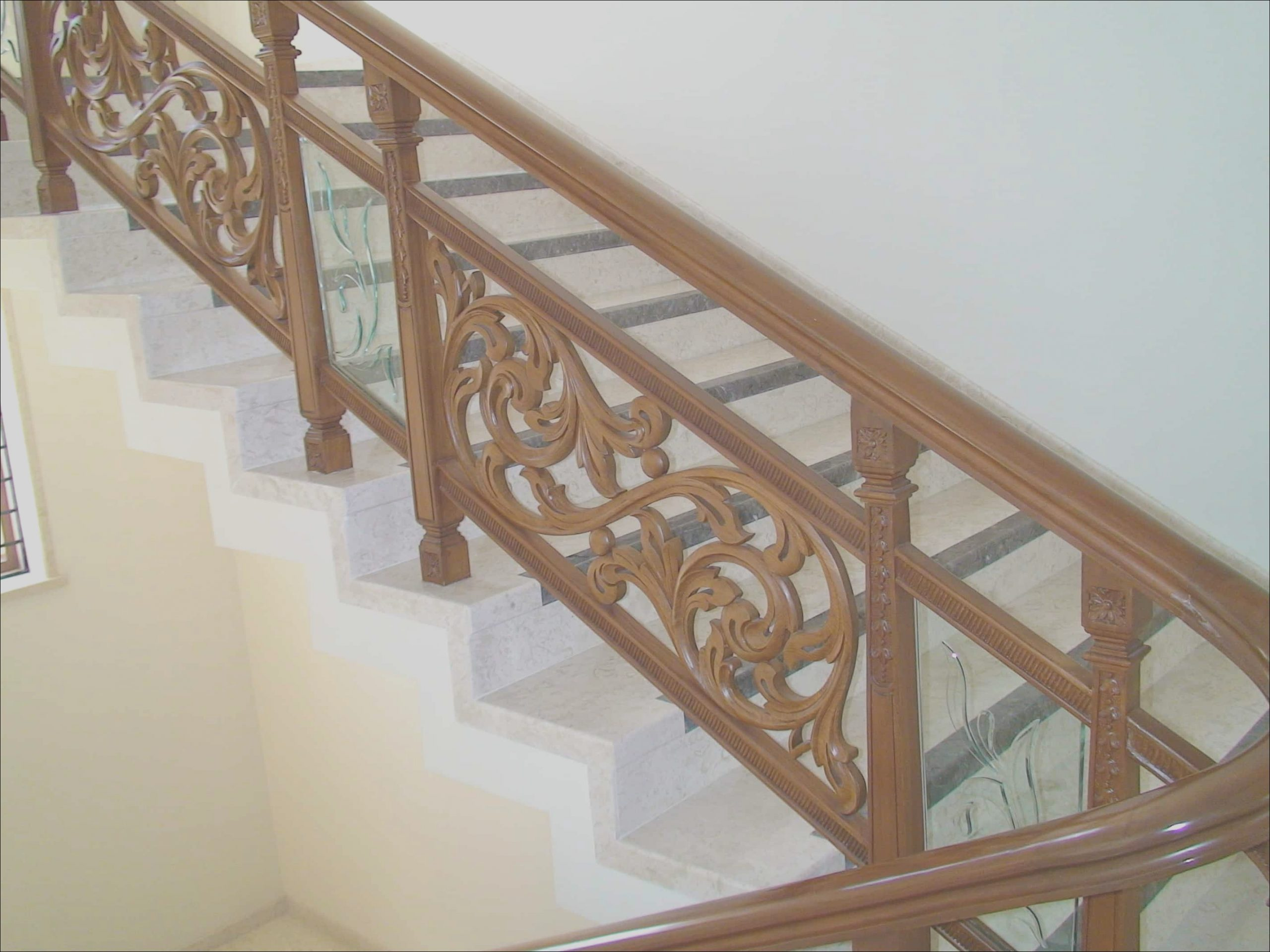 designing staircase railing by yourself