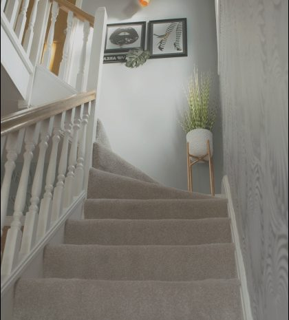 15 Charming Small Hall and Stairs Decorating Ideas Photos