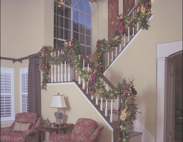 10 Better Stairs Christmas Decorating Ideas Collection