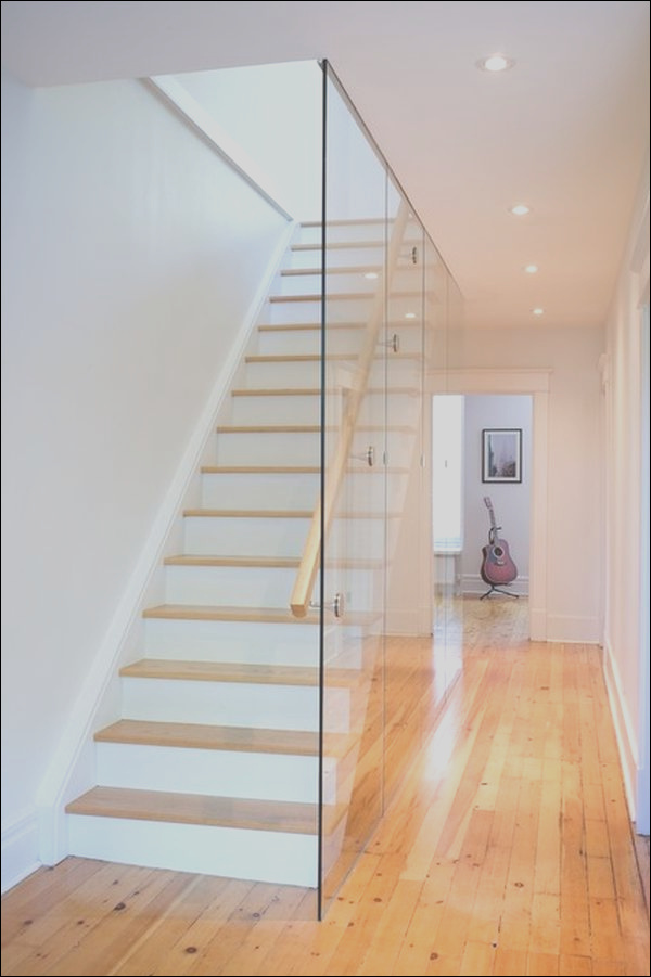 glass staircase walls that stand out