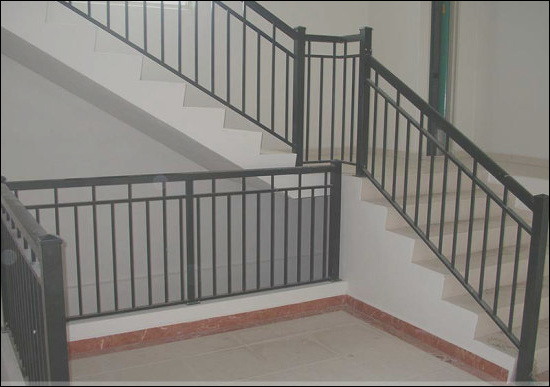 China Luxury Iron Grill Design Interior Stairs Railing Handrail Design