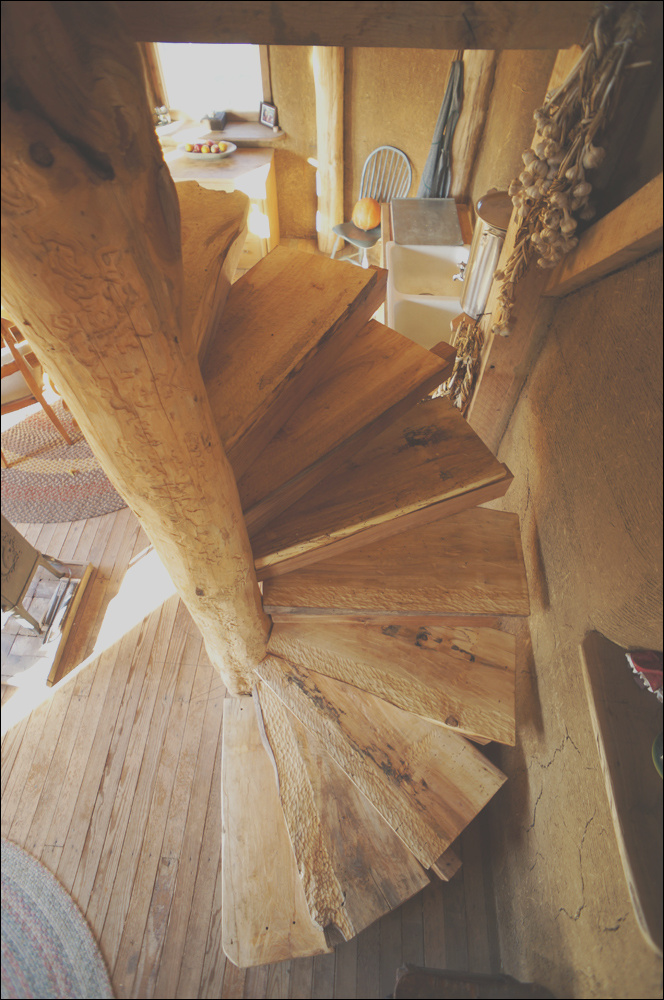 wooden spiral staircase build