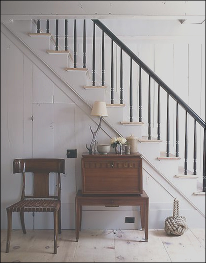 stairs staircase console table treads painted wood black balustrade