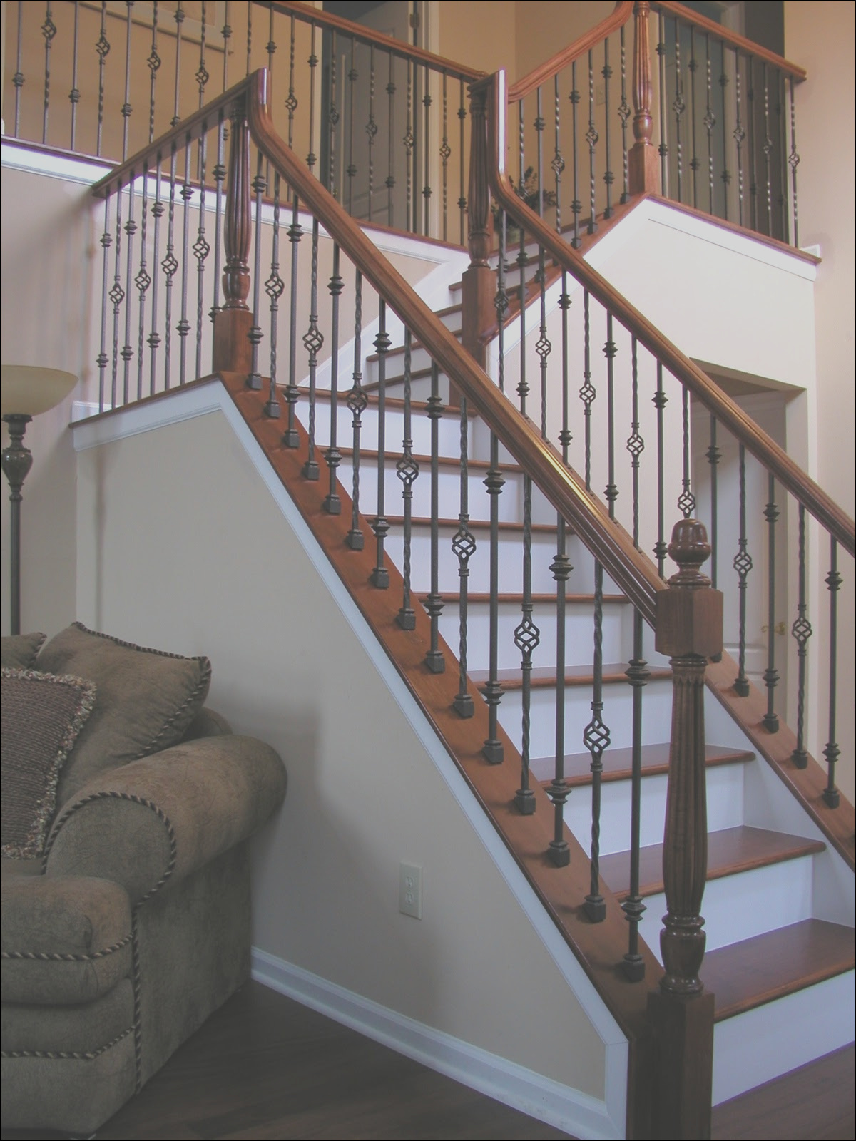 iron balusters wood handrail treads in