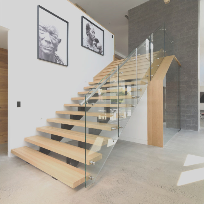 China Easily Installed Strong and Durable Straight Interior Wooden Stairs